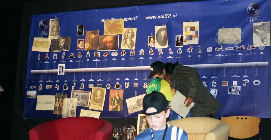 In de missie voor het Ministerie van Onderwijs onderzoeken de kinderen de aanwijzingen